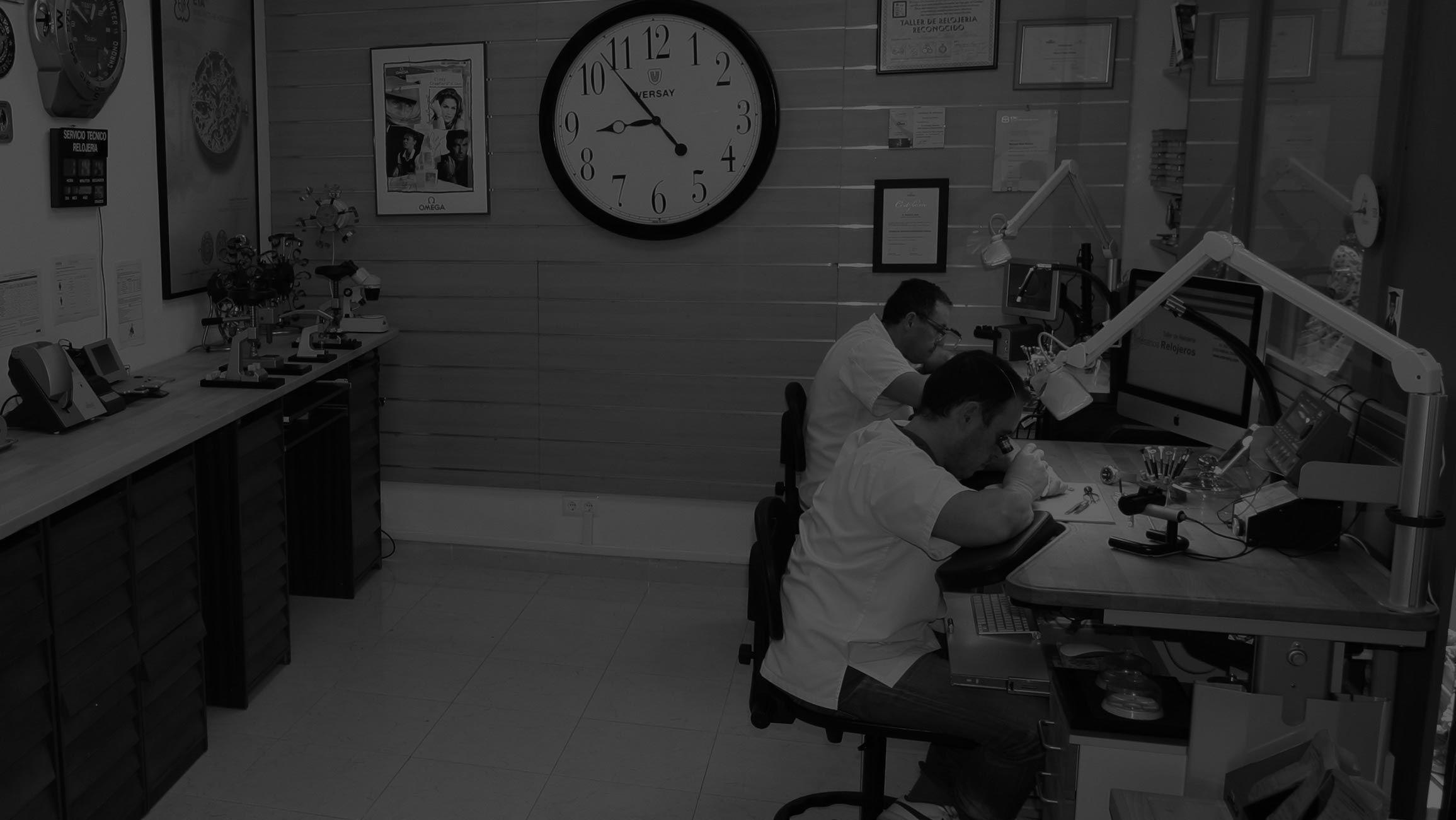 Artesanos relojeros