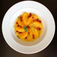 Suprêmes d'oranges, grenade et menthe, sirop infusé à la cannelle