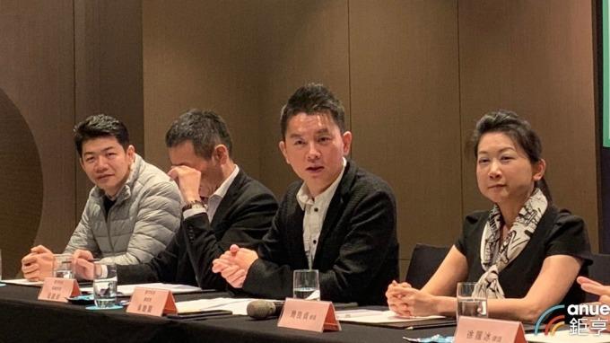 數字科技總經理吳聰賢(右二)。(鉅亨網資料照)