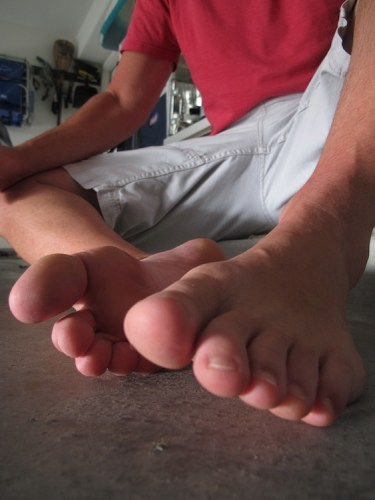 26_feettoes3230