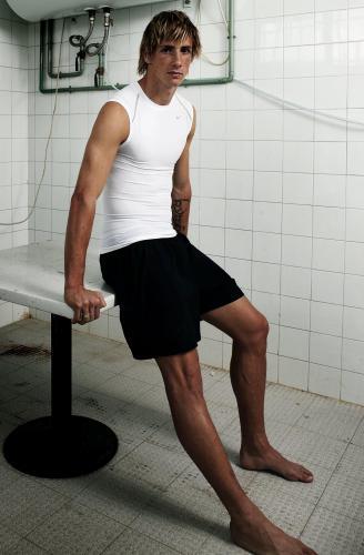 Fernando Torres - soccer - HUGE 2