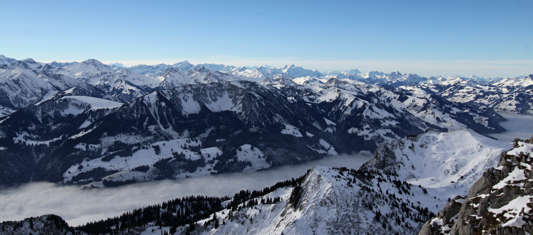 Panorama Nebelmeer Hinteres Simmental