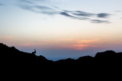 Steinbock-Silhouette bei Sonnenuntergang