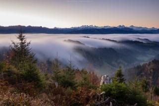 Auch am nächsten Morgen ist der Nebel noch da. Und der Wind.