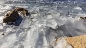 Eis am Seeufer