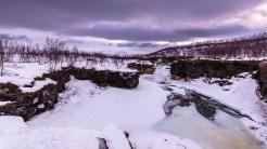 Die winterliche Schlucht des Abiskojåkka