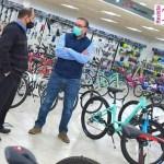 """Luis Vivona visitó la fábrica de bicicletas """"Raleigh Equipo Dal Santo"""", es impulsor de la Ley que fomenta este saludable transporte"""