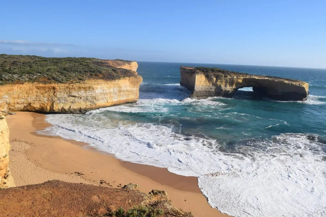 The london bridge great ocean road australia