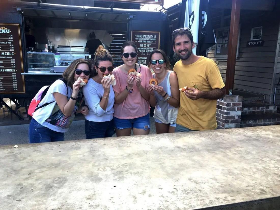 The Famous Berry Donut Van,Berry, De Sydney a Melbourne NSW Australia