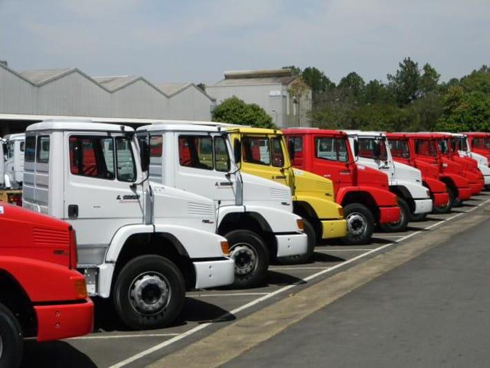 mercedes_camion.jpg