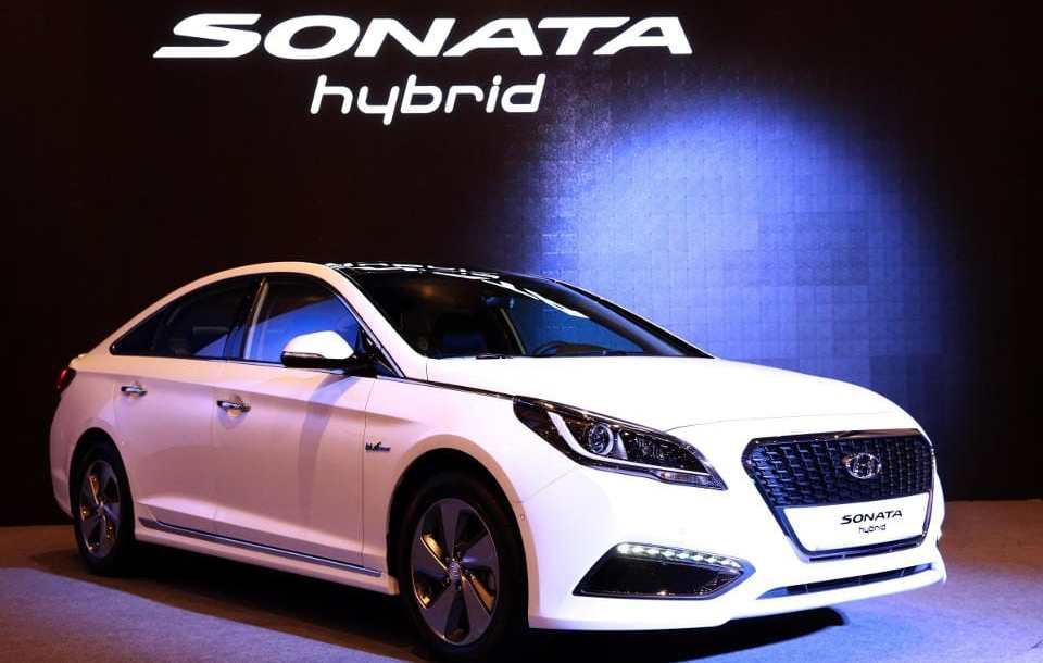hyundai_sonata_hybrid_1.jpg