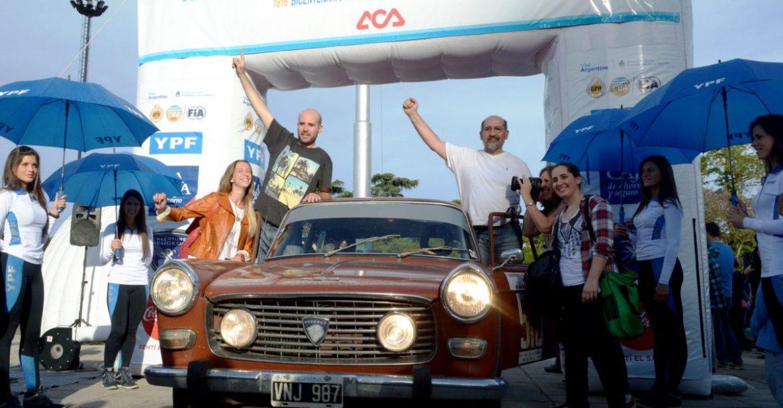 de-izq-a-der-gaston-y-luis-galardi-ganadores-del-14deg-gran-premio-organizado-por-el-aca-aca.jpg