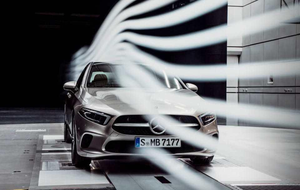 mb_clase_a_sedan_2.jpg
