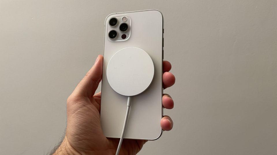 El iPhone 12 puede provocar interferencias con los marcapasos