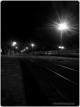 Ga Đồng Hới lúc 4 giờ sáng. Tạm biệt Quảng Bình, mình sang Huế đây.
