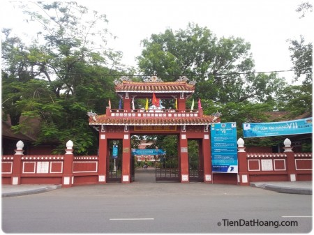 Cổng trường Quốc học Huế, nơi Bác Hồ đã có thời gian học tập.