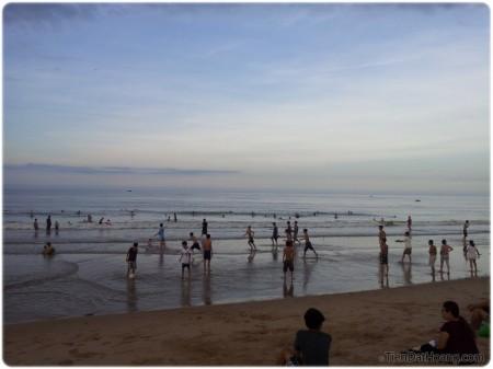 Yên bình, êm ả ở bãi biển Tuy Hòa.