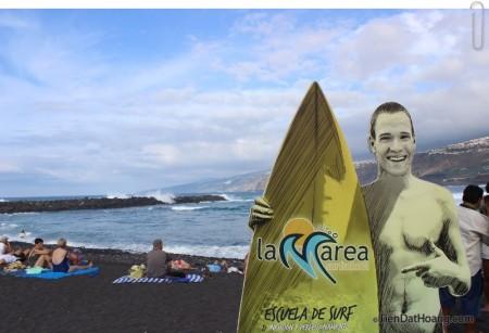 Anh thanh niên ở bãi biển đen : )))