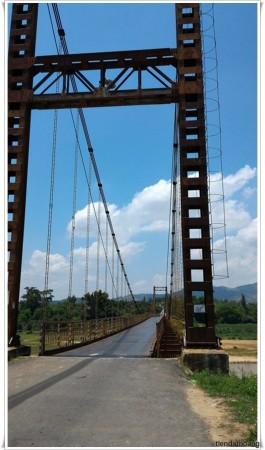 Cầu treo Kon Klor ở làng K'Tu.