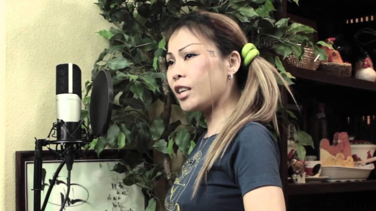 Video Ca nhạc sĩ Lê Hoàng Trúc người Việt Nam yêu nước khỏa thân xuống đường đòi nhân quyền dân chủ cho dân tộc Việt Nam (cấm trẻ em dưới 18 tuổi)