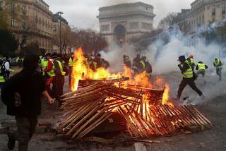Từ Thức: Paris có cháy không?