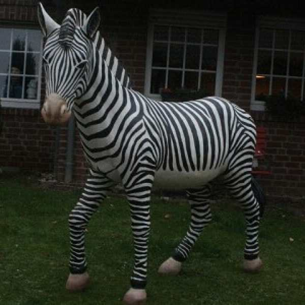 Individuell bemaltes Deko Zebra