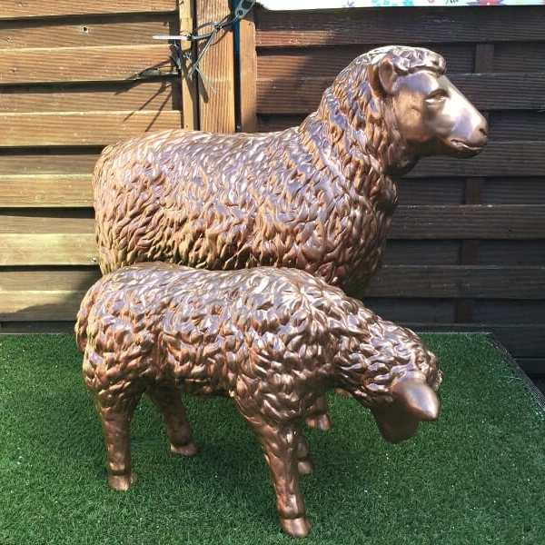 Deko Schaf und Lamm bronze
