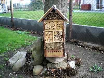 insektenhotel bauanleitung selber bauen tiernah. Black Bedroom Furniture Sets. Home Design Ideas