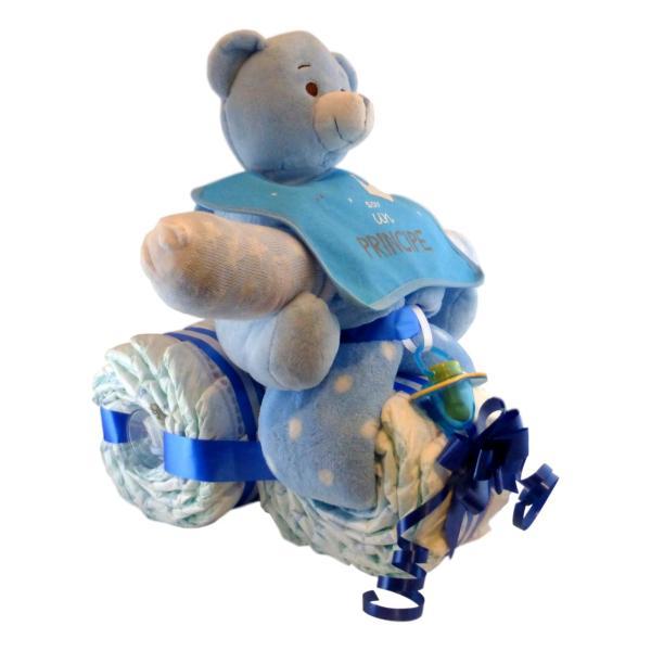 Tarta de pañales con forma de moto para niño