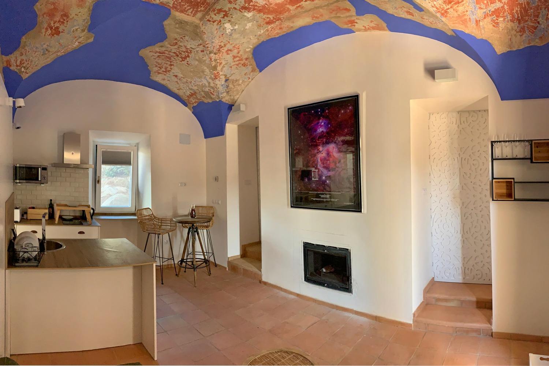 Vakantiehuis bij astronomie complex met details van oud molenhuis
