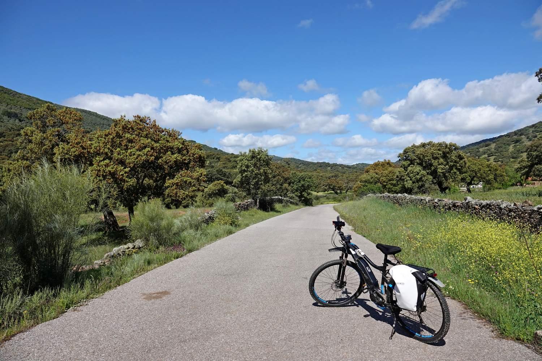 Fietsen in Extremadura doe je over rustige en stille wegen en paden door mooie natuur en leuke dorpjes