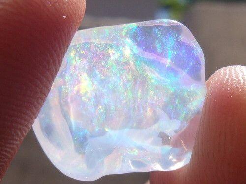 Opalo translucido