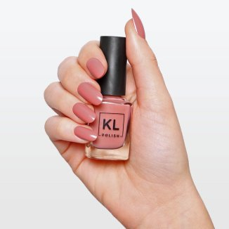 KL_Polish_Miss_Honey_bottle_in_hand_1fdf8fba-0da4-4152-927d-9bd183f1c09b_1024x1024