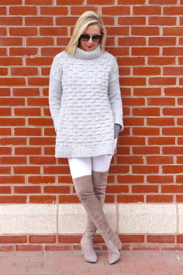 This Grey and White look is so timeless. You can wear this look to run errands, a lunch date or a casual dinner date.