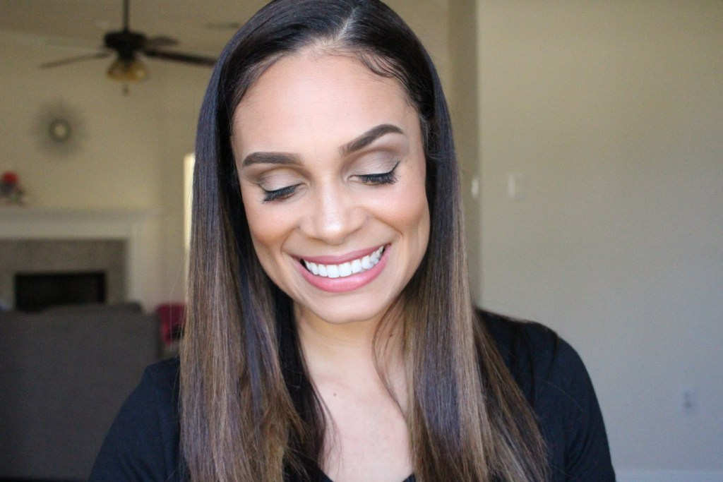 Makeup: Basic Makeup Tutorial For Everyday In 10 Minutes-Tiffany D. Brown