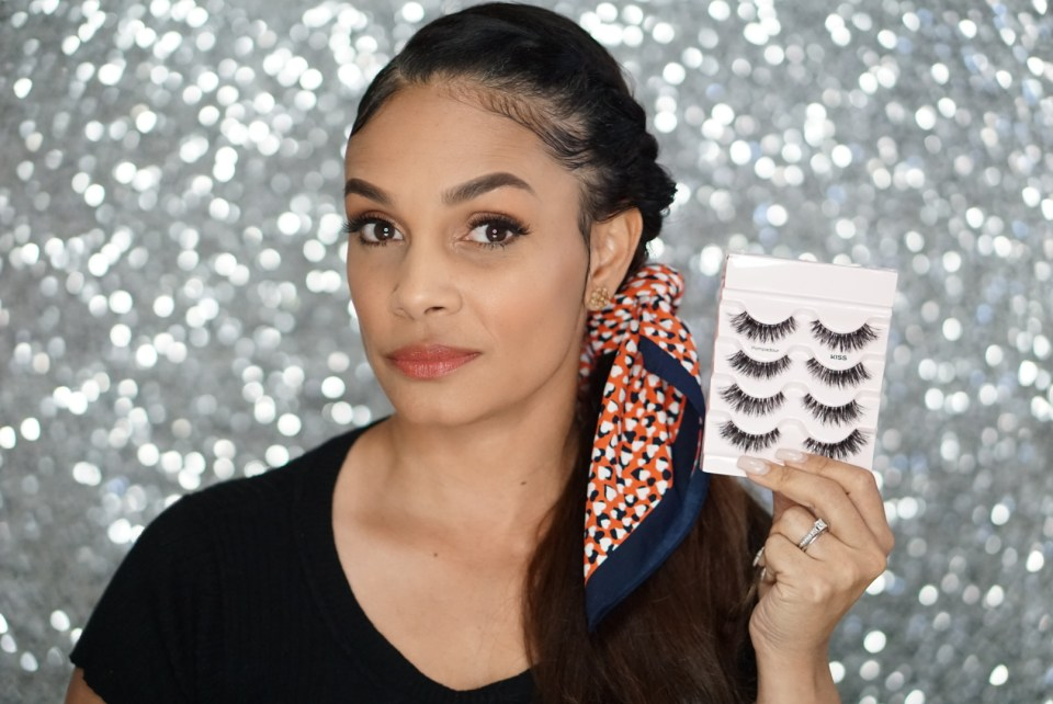 How To Apply Fake Eyelashes-The Easy Way-Tiffany D. Brown