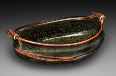 Oval serving bowl