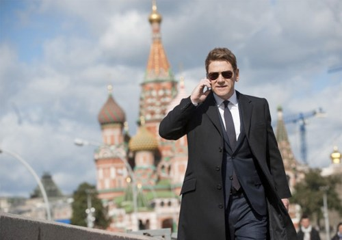 jackryan-kennethbranagh-cellphone-full