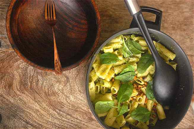 Marks and Spencer Copycat Spinach, Pesto and Pine Nut Pasta