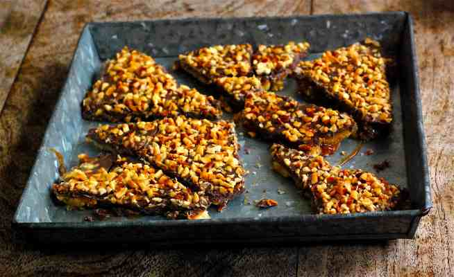 Four ingredient Ritz and Werther's chocolate bark - www.tiffinandteaofficial.com