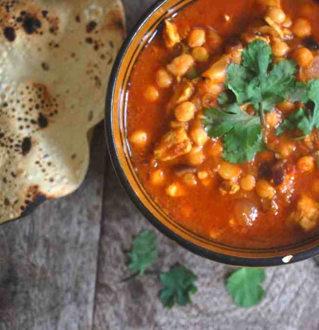 chicken and chickpea curry - www.tiffinandteaofficial.com