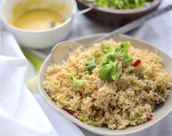 Brown rice and veg salad in bowl