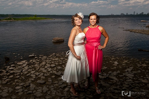 Bride and bridesmaid photographed using the Elinchrom Quadra System