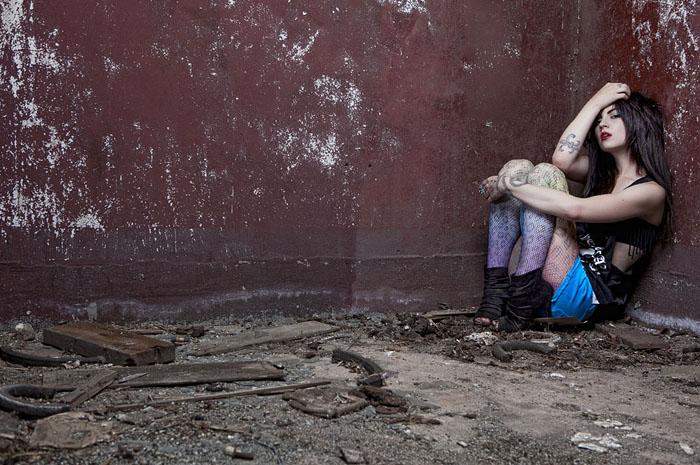Brett Stoddart - Portrait Photography In An Abandoned Building