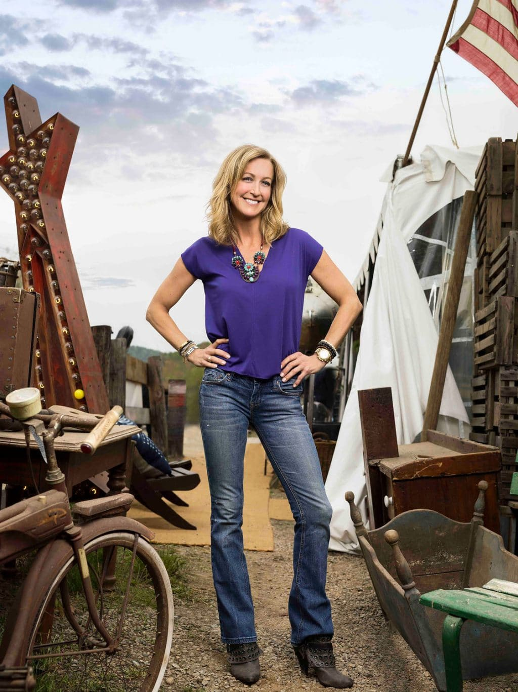 Lara Spencer, host of HGTV's Flea Market Flip, season 6.