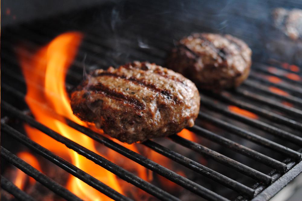 https://i2.wp.com/tiffsburger.com/wp-content/uploads/2013/06/grillingburgers.jpg