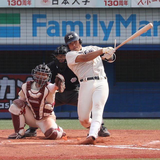 明大・平塚、初の4番で広角打撃披露 父は元阪神