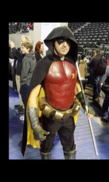 Darren Tubridy with Tiger Stone FX Arkham knight Robin mask as Arkham City Robin