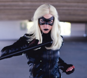 Hammer Cat Cosplay with Tiger Stone FX Black Canary Laurel mask - Photo by Elsa & Co Photography