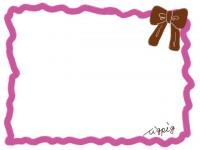 フリー素材:フレーム素材(640pix)<br>  ガーリーなピンク×茶色のリボンのイラスト素材。
